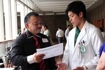 Med student meeting with Representative Mizuno