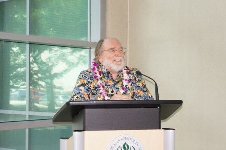 Governor Abercrombie announces the launch of the State Loan Repayment Program for primary care MDs, nurse practitioner and physician assistants.