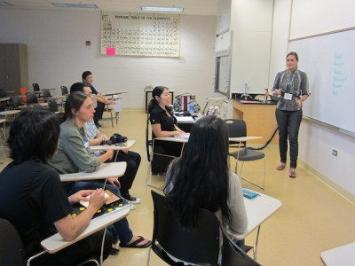 JABSOMʻs problem-based learning involves intensive small-group sessions led by faculty MD.